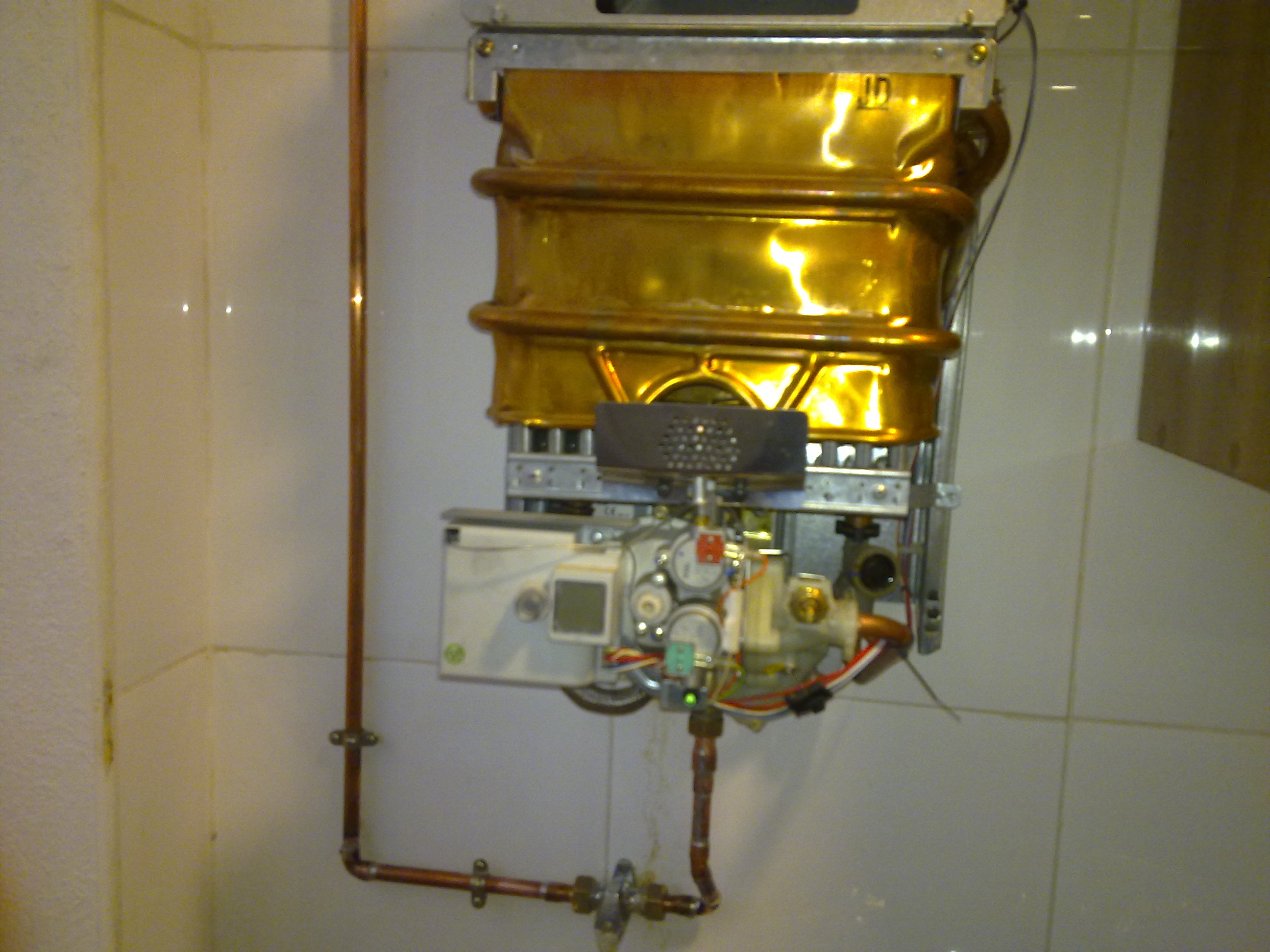Cambiar inyectores calentador de gas natural a butano - Instalacion calentador gas natural ...
